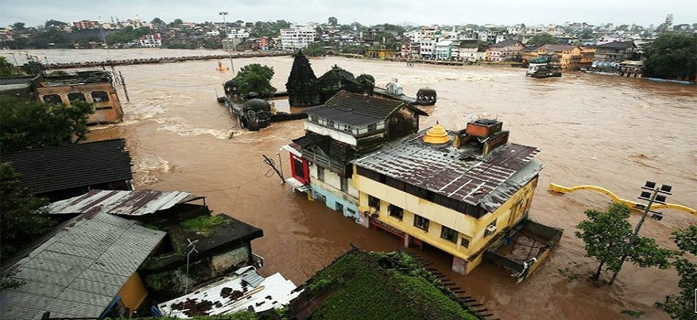 The total number of deaths due to rain in five districts of the region during this period was 27.