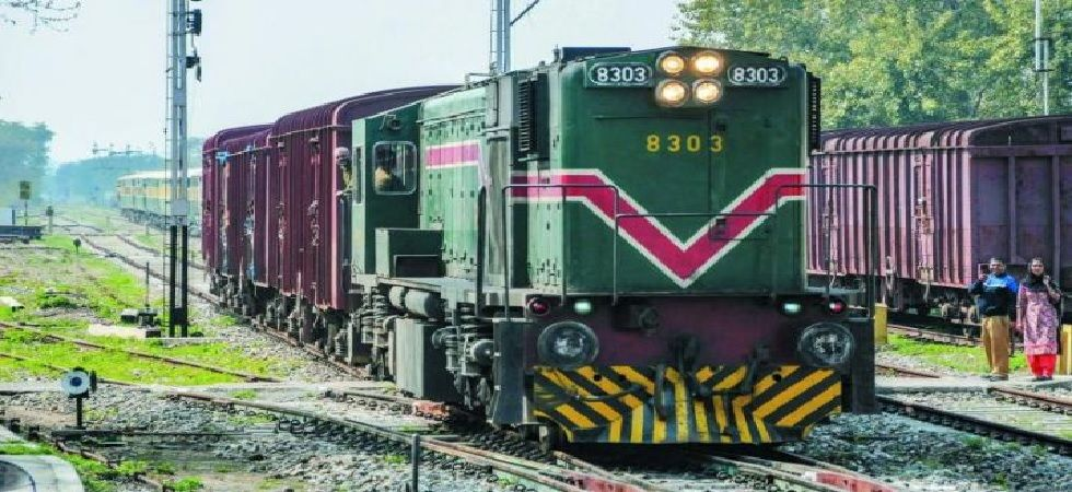 Pakistan on Thursday 'permanently' closed the bi-weekly Samjhauta Express train service connecting Lahore and New Delhi