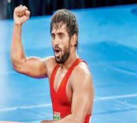 Bajrang Punia wins gold at Tbilisi, Vinesh in final at Medved