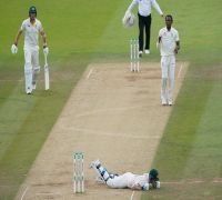 Australia's cricket union slam Lord's fans for booing Steve Smith after being hit by bouncer