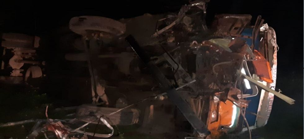 Car truck collision in Maharashtra's Dhule (Photo Source: ANI)