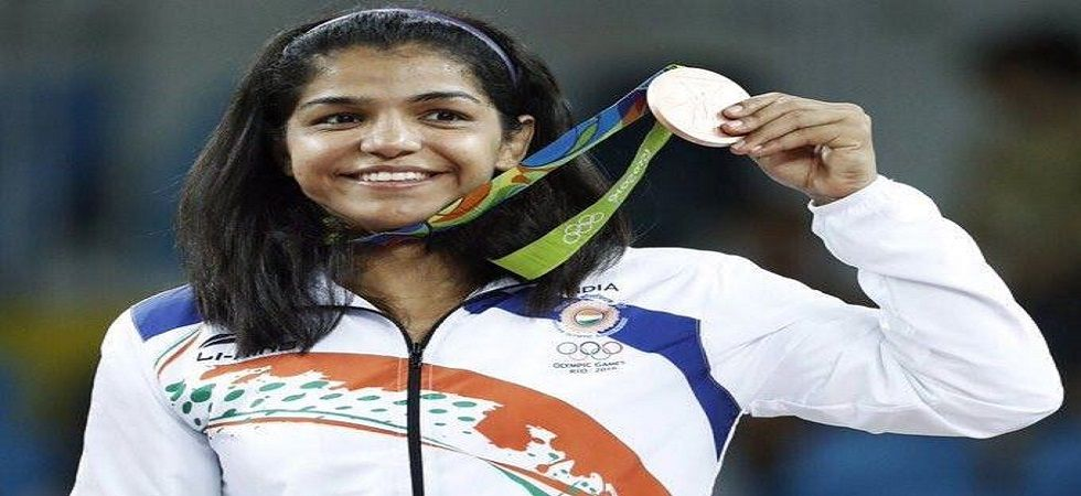 Sakshi Malik has been issued a show-cause notice for leaving the national camp without permission. (Image credit: Twitter)