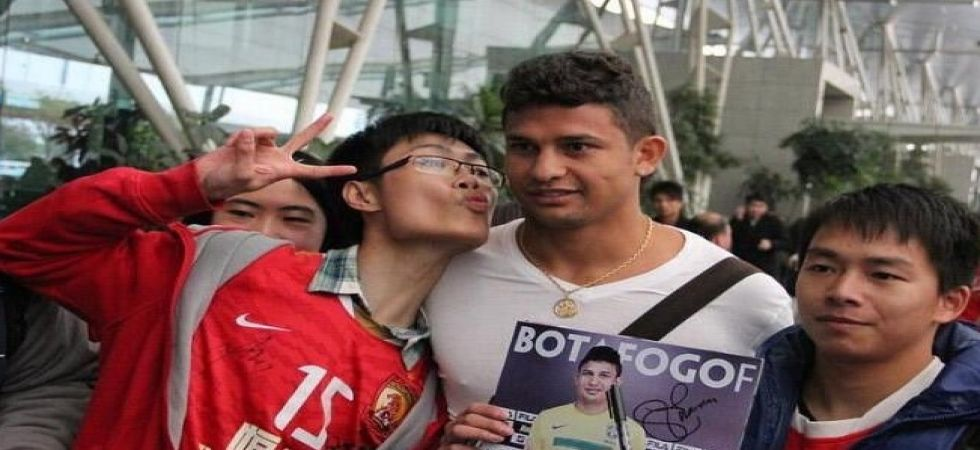 Brazilian-born striker Elkeson said he wants to fire China to the World Cup after he became the first footballer without Chinese ancestry to be named in the national squad. (Image credit: Twitter)
