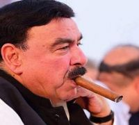 Pakistan Minister Sheikh Rashid, who threatened India to 'gouge out eyes', thrashed in London