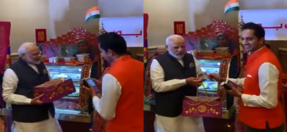 PM Narendra Modi using his RuPay card (Image: @PMOIndia)