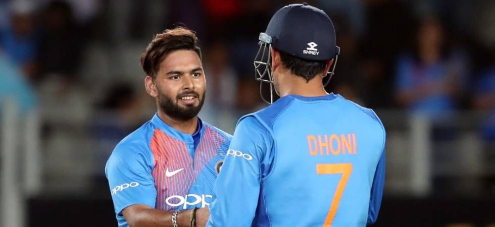 MS Dhoni and Rishabh Pant (Image: PTI)