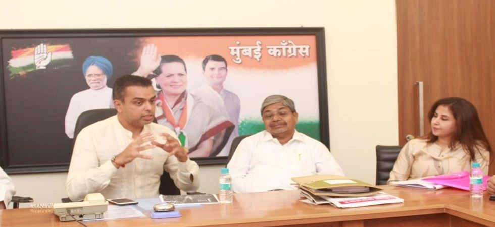 Milind Deora (Left) and Urmila Matondkar (Right) during a meeting Mumbai Congress' manifesto on August 27. (Photo: Twitter/@milinddeora)