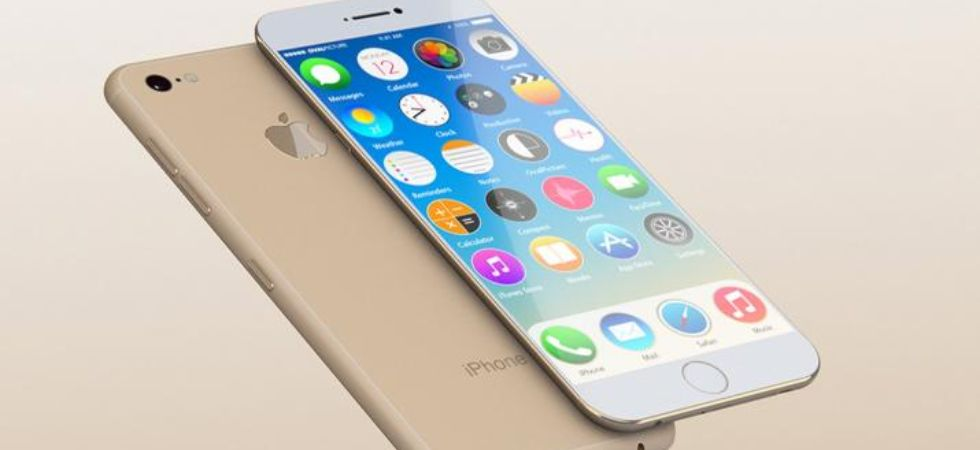 Apple iphone prices slashed (Photo Credit: PTI)