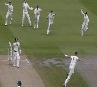 Eight Times Dismissed - Stuart Broad Makes David Warner His Ashes 2019 Bunny