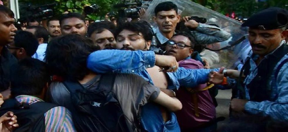 Union Minister Babul Supriyo allegedly thrashed by students of Jadavpur University. (Photo: Twitter/ABVP)