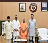 Three Samajwadi Party MLCs Meet UP CM Yogi Adityanath, Fuel Reports Of Joining BJP