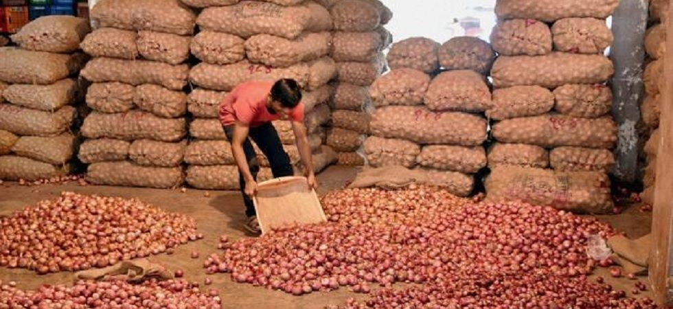 Arvind Kejriwal has announced to sell onions at Rs 24 per kg price in Delhi. (Representational Image/PTI)