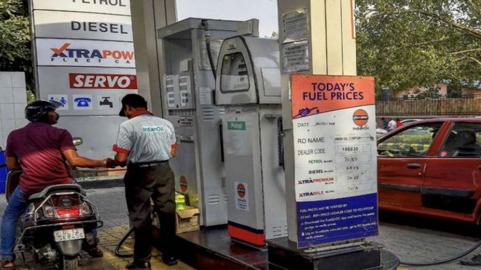The petrol and diesel prices continued their downwards trend on Saturday.