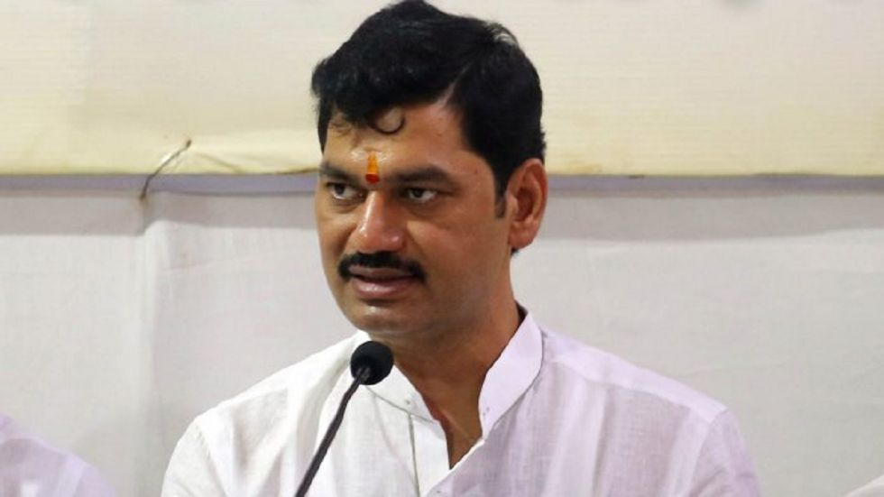 The BJP has also complained to the Election Commission and the women's commission against the NCP leader Dhananjay Munde's remarks.