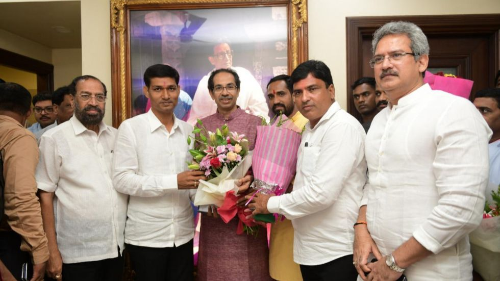 Maharashtra: Two Independent MLAs meet Uddhav Thackeray, extend support to Shiv Sena