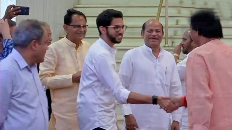 This is Shiv Sena's second solo meeting with the Governor this week.