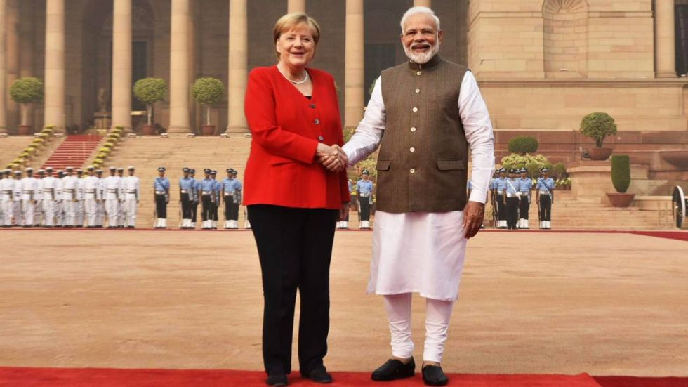 Chancellor Merkel was received by PM Modi on her arrival at Rashtrapati Bhawan