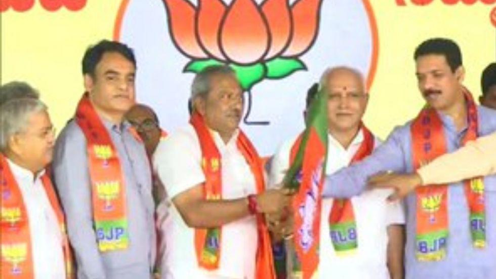 Karnataka: All disqualified MLAs except Roshan Baig join BJP