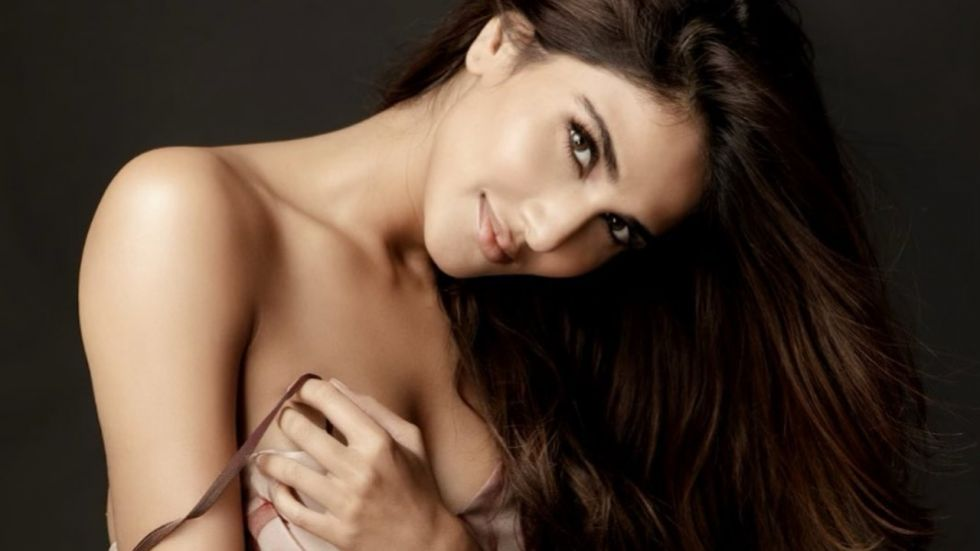 Vaani Kapoor Gets In Legal Trouble! Complaint Filed Against Actress