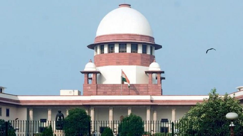 Supreme Court has asked the Centre to place before it on Monday the letters of Maharashtra Governor recommending revocation of President's rule.