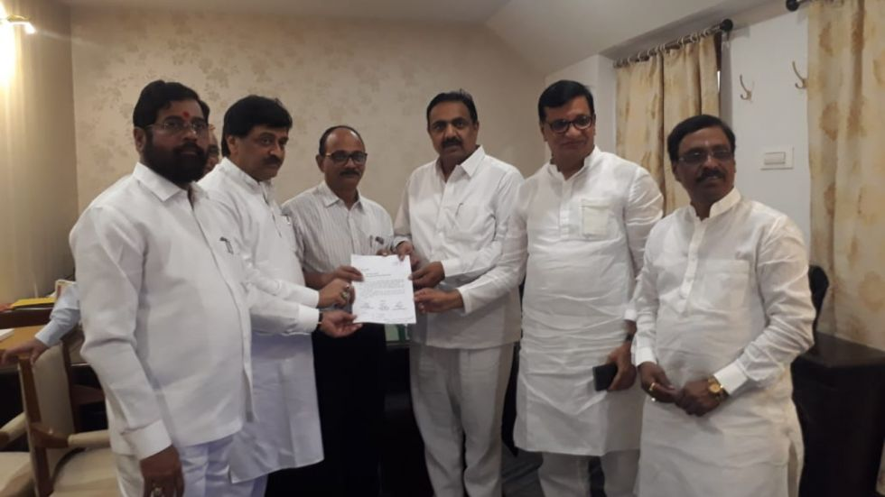 Shiv Sena-NCP-Congress stake claim to form govt in Maharashtra, submit formal letter to Governor
