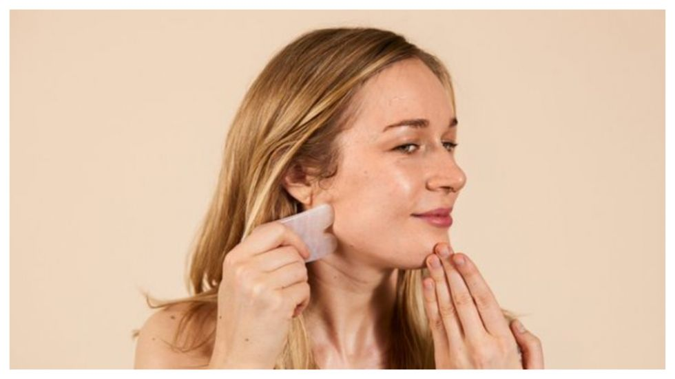 Beauty Experts Answer If Gua Sha Facial Massage Can Give You Sculpted Face