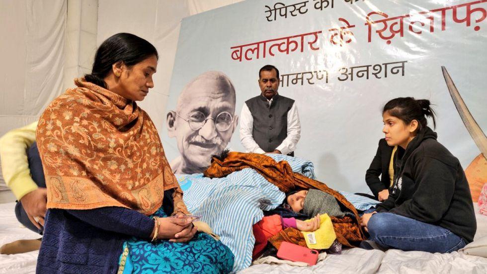 Nirbhaya Parents Visit Swati Maliwal