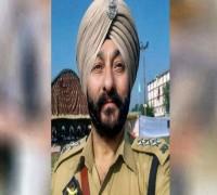 Jammu And Kashmir Govt 'Forfeits' Gallantry Medal Given To Arrested DSP Davinder Singh