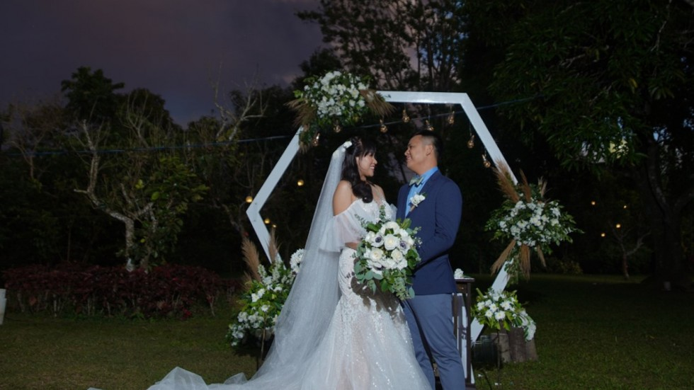 Couple Gets Married In The Philippines.