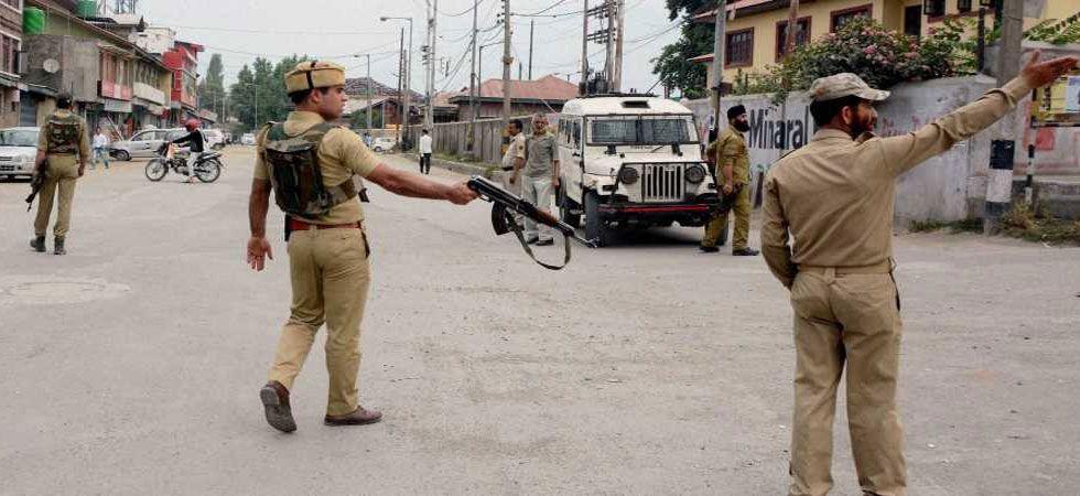Cop shot dead by gunmen in South Kashmir's Bijbehara