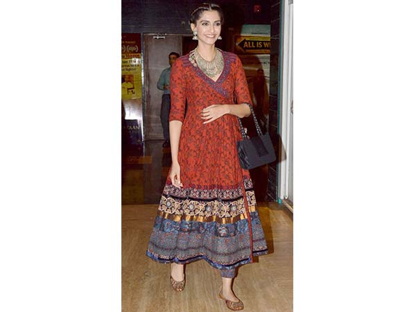 9332778c3a928d This Navratri dress to impress  Top 5 Dandiya dresses you should try ...