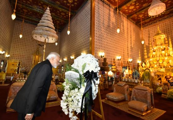 PM Modi makes surprise stopover in Thailand to pay homage to late king