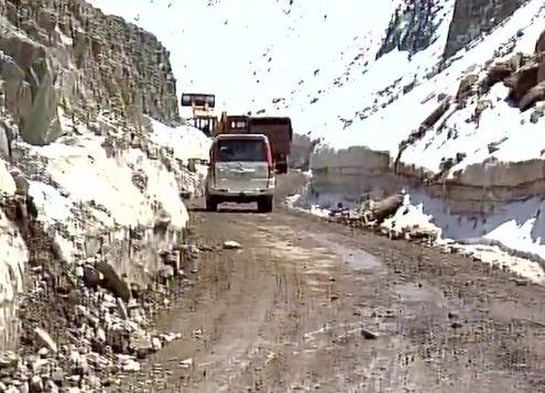 Snowfall in Jammu and Kashmir: Tourists throng Gulmarg to enjoy the winter season