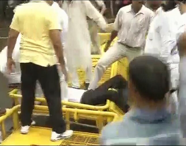 VHP's protest against UP govt crackdown in Ayodhya