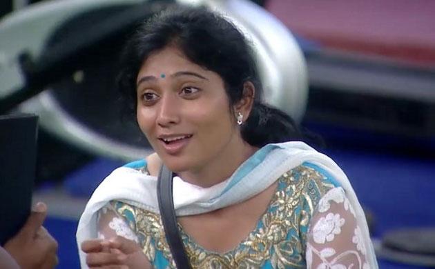 Kamal Haasan Bigg Boss Tamil Juliana elimination Oviya exit