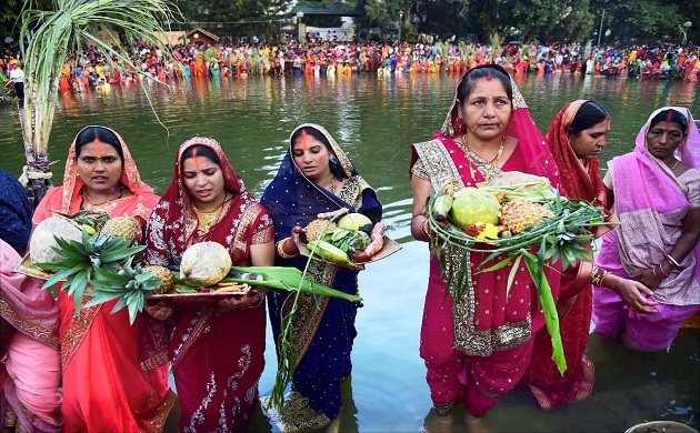 Chhath Puja 2017 This is how politicians worship Lord Surya all over India