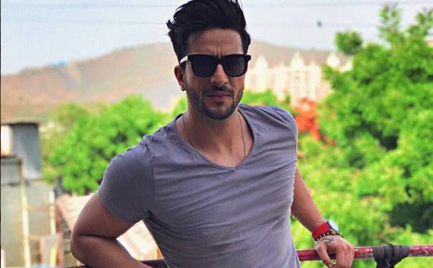 Indian television stars wish their fans a happy Lohri Aditi Gupta Manu Punjabi Kunal Jaisingh Suyyash Rai