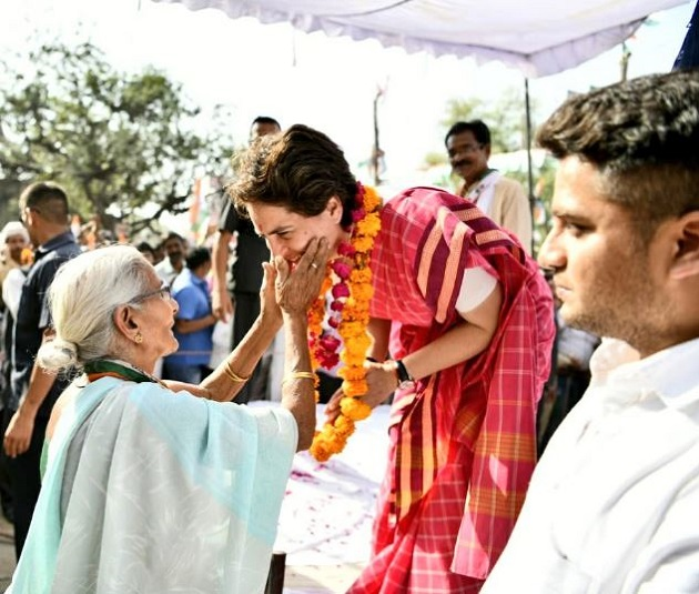 Priyanka Gandhi holds mega roadshow at Fatehpur, criticises Modi-led BJP over false promises