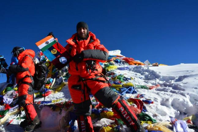 NCC cadets scales Mt Everest