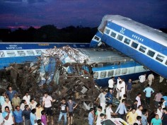 Utkal Express accident 14 coaches derail claiming 23 lives See pics