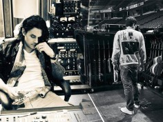 Happy Birthday John Mayer! A look at some of the guitar god's babies!