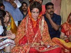 Priyanka Gandhi visits Vindhyavasini Temple on Day 2 of 'Ganga Yatra'