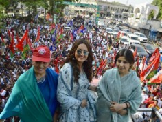 In pics: Sonakshi campaigns for mother Poonam Sinha in Lucknow