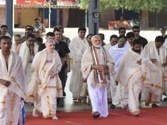 PM Modi offers prayer at Sri Krishna Temple in Guruvayur in Kerala Thrissur