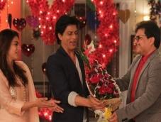 SRK-Kajol visit 'Tarak Mehta' family!