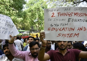 Nation Reporter | CBSE paper leak: Students hold protest at Jantar Mantar