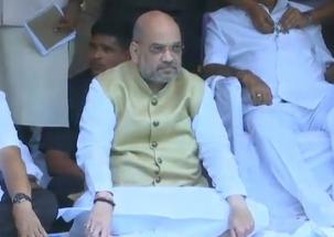 Amit Shah asks Rahul Gandhi to apologise over 'saffron terror' term