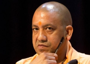 UP CM Yogi Adityanath meets dust storm victims in Agra, takes stock of situation