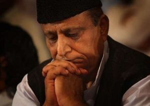 Days after ban, Azam Khan bursts into tears at his Rampur rally