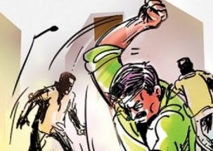 Couple arrested for abusing hospital staffs in Delhi's Shalimar Bagh